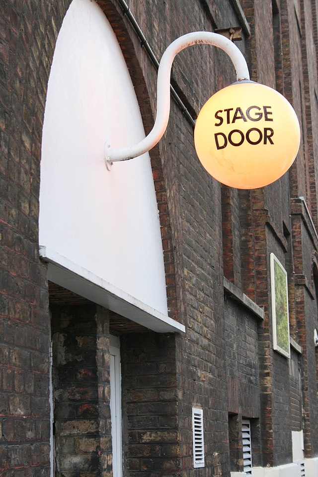 From Wikipedia the free encyclopedia & Stage Door - Wikiwand
