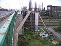 Olomouc-Hodolany, Tovární, potrubní most přes nádraží.jpg