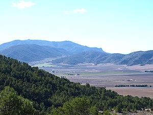 Paisaje de Sierras desde la Sierra de Salinas, Yecla (Murcia).JPG
