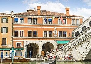 Palazzo dei Dieci Savi - The facade on the Canal Grande.
