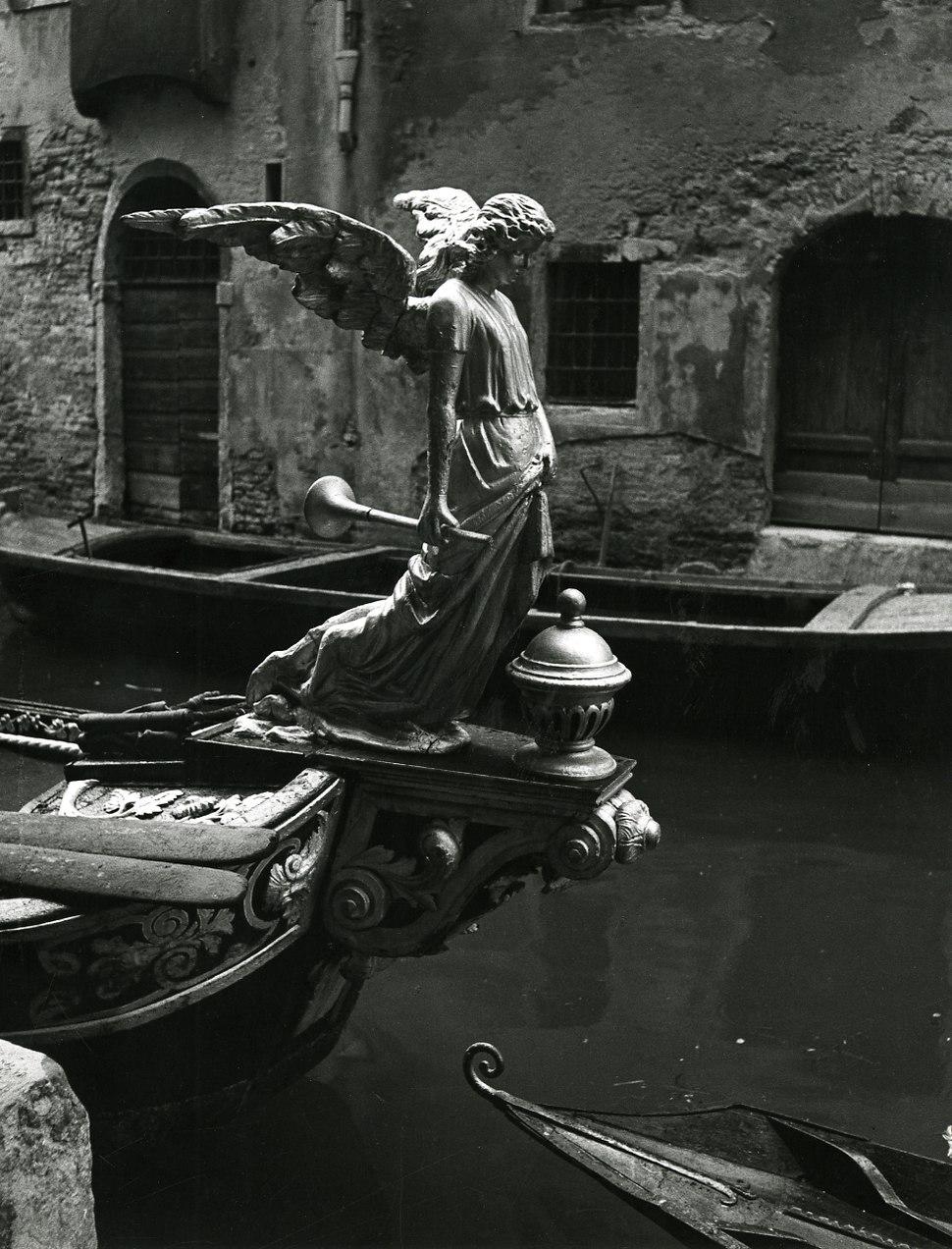 Paolo Monti - Serie fotografica (Venezia, 1951) - BEIC 6342929