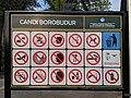 Papan tanda Larangan di Candi Borobudur.jpg