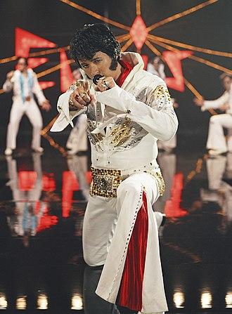 Paul Courtenay Hyu - Publicity photograph of Paul Hyu as ChineseElvis, 2004