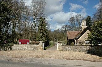 Pavenham - Image: Pavenham Golf Course entrance