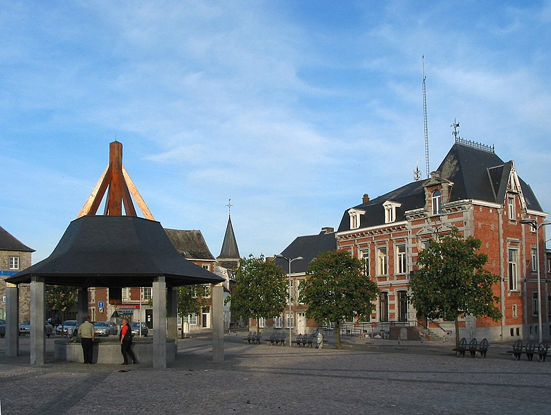 Philippeville (Belgium), place d'Armes – The town hall.