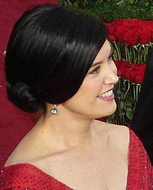Phoebe Cates at 81st Academy Awards.jpg