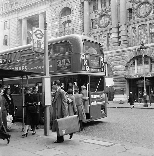 Piccadilly bus stop 1956