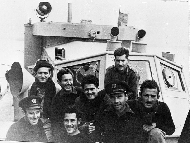 """אנשי הקומנדו הימי על ספינת המשמר """"דרור"""""""