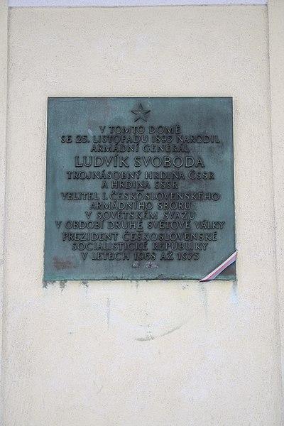File:Plaque of Ludvík Svoboda native house in Hroznatín, Třebíč District.jpg