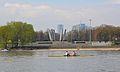 Pomnik Chwała Saperom widziany z praskiego brzegu.JPG