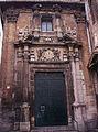 Portada de la capella de la Comunió de l'església de sant Martí de València, abans de la neteja.jpg