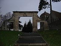 Porte du Château de Colbert à Blainville sur Orne.JPG