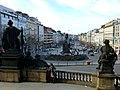 Prag - Wenzelsplatz mit dem Monument des Heiligen Wenzel vom Nationalmuseum aus gesehen - Václavské náměstí viděn s památníku Svatováclavské z Národního muzea - panoramio.jpg