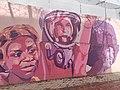 Primer plano mural (Chimamanda Ngozi Adichie - Valentina Tereshkova, Angela Ivonne Davis).jpg