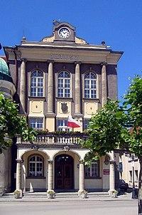 Pszczyna, Urząd Miasta - fotopolska.eu (114910).jpg