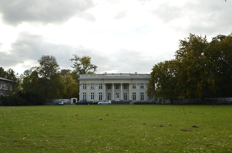 File:Puławy, pałac Marynki (01).jpg