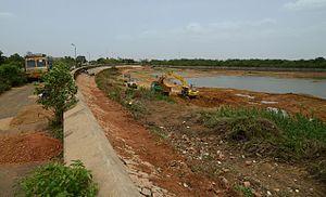 Puzhal aeri - Repairing Puzhal bund roads in 2012