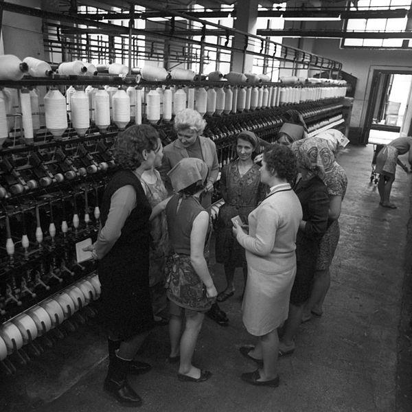 File Rian Archive 632920 Lvov Cotton Mill Secretary I