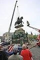 Reiterstandbild Friedrich Wilhelm III-Aufstellung 2009-8070.jpg