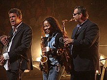 Rivera, Taliefero, Fischer of Billy Joel Band May 2007 2.jpg
