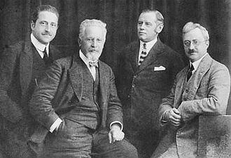 Rosé Quartet - The Rosé Quartet in the 1920s: Paul Fischer, Arnold Rosé, Anton Rusitzka, Anton Walter. Arnold Rosé is second from left.