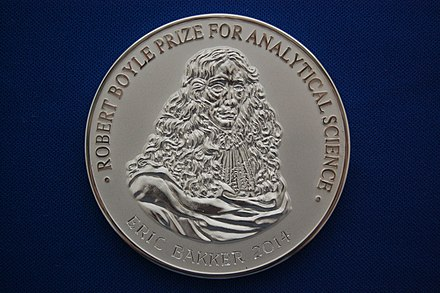 The 2014 Robert Boyle Prize for Analytical Science medal Royal Society of Chemistry - Robert Boyle Prize for Analytical Science - 2014 - Andy Mabbett - 01.JPG