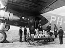 Unloading gold bullion at Croydon Aerodrome