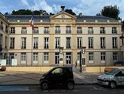L'hôtel de ville de Sèvres.