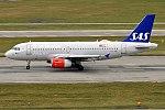 SAS, OY-KBT, Airbus A319-131 (20327735506) (2).jpg