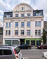 """Saalfeld Saalstraße 28 Wohn- und Geschäftshaus Bestandteil Denkmalensemble """"Stadtkern Saalfeld-Saale"""".jpg"""