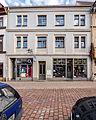 """Saalfeld Saalstraße 2 Wohn- und Geschäftshaus (Stuckdecke) Bestandteil Denkmalensemble """"Stadtkern Saalfeld-Saale"""".jpg"""