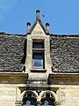 Saint-Geniès château lucarne.JPG