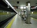 Sakaisuji-Line Ebisucho station platform - panoramio.jpg