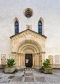 Sankt Veit an der Glan Stadtpfarrkirche hl Dreifaltigkeit W-Portal 18052018 3278.jpg
