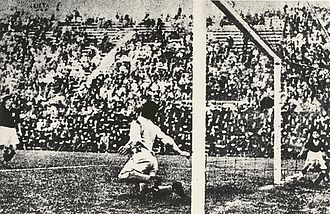 František Plánička - Angelo Schiavio scores against Plánička in the 1934 World Cup final