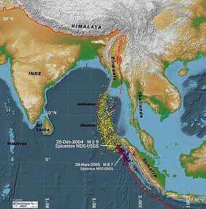 Séismes du 26 décembre 2004 et 28 mars 2005 et répliques de décembre 2004 à début avril 2005 (points jaunes et violet), source IPGP