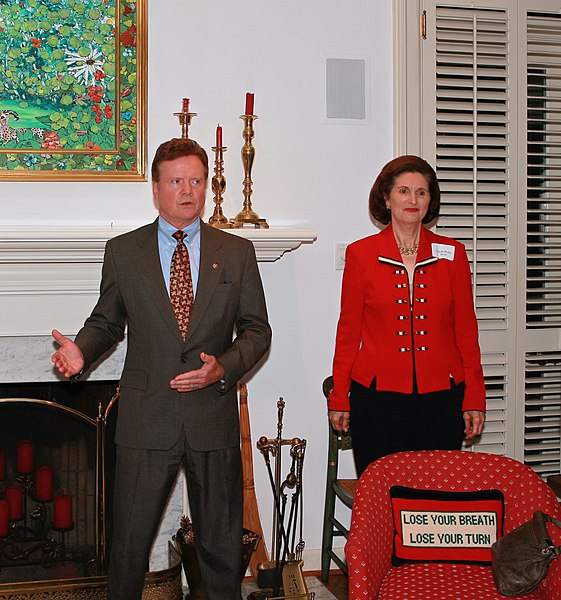 File:Senator Jim Webb and Lynda Bird Johnson Robb, daughter of former U.S. President Lyndon B. Johnson and also former First Lady of Virginia, wife of Chuck Robb.jpg