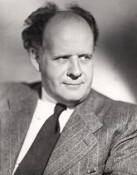 http://upload.wikimedia.org/wikipedia/commons/thumb/a/a8/Sergei_Eisenstein_02.jpg/468px-Sergei_Eisenstein_02.jpg