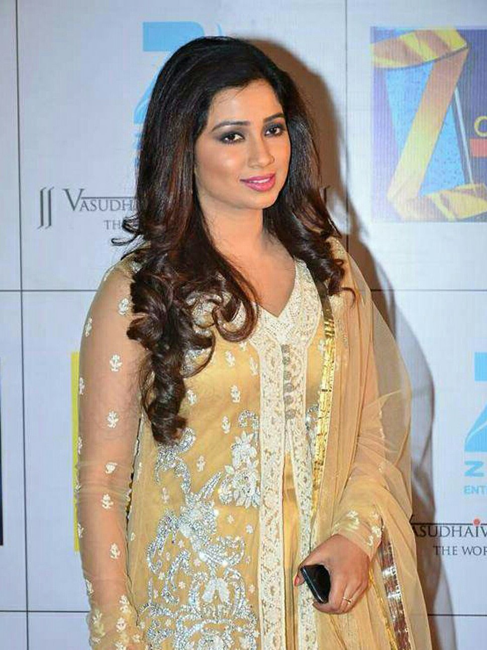 Shreya Ghoshal at Zee Cine Awards 2014