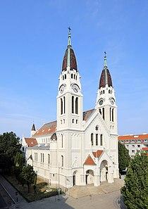 Simmering (Wien) - Pfarrkirche Neusimmering (3).JPG
