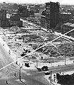 Skrzyżowanie ulic Marszałkowskiej i Królewskiej w Warszawie 1946.jpg
