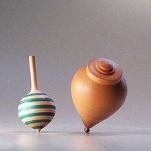 La toupie  ( le jouet ) a plus de 4000 ans 220px-Snap_Top_and_Trompo