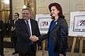 Solvita Āboltiņa un Gruzijas parlamenta priekšsēdētājs piedalās pastmarkas diazaina prezentācijā (10667850196).jpg