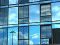 Spiegelglasfassade am UNESCO-Platz - panoramio.jpg