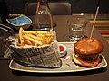 Sriracha Burger at restaurant Memphis.jpg