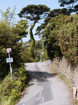 St Mawes - Riviera Lane, St Mawes (May 2004)