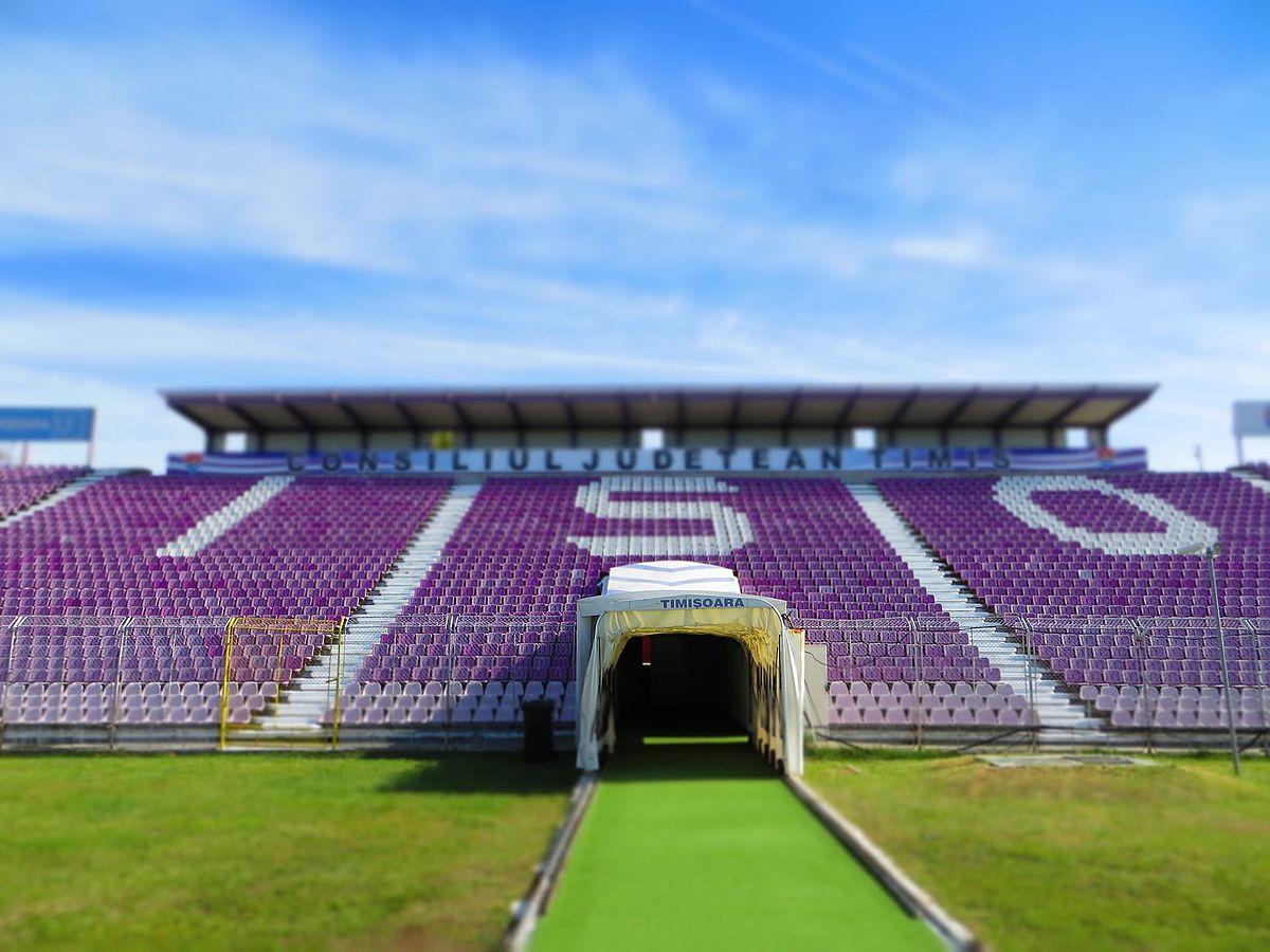 File:Stadionul Dan Păltinişanu - panoramio (4).jpg - Wikimedia Commons