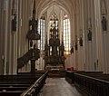 Stadtpfarrkirche Steyr - Mittelschiff 2.jpg