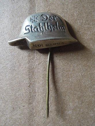 Stahlhelm, Bund der Frontsoldaten - A Stahlhelm membership stickpin