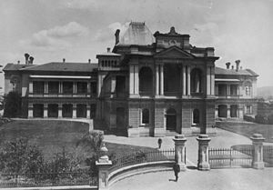 Supreme Court of Queensland - Image: State Lib Qld 1 107644 Supreme Court building, Brisbane, ca. 1891